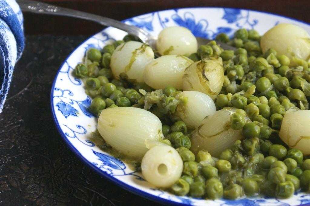 peas + lettuce + parsley + onions=petits pois a la francaise